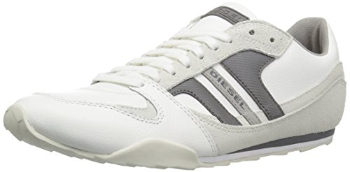 41qbSe c2oL Retro-inspired sneaker featuring lace-up vamp and logoed stripe at lateral side Padded collar Logo at counter