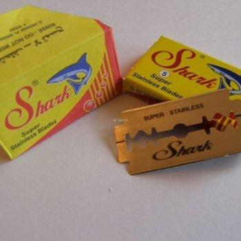 100 SHARK Super Stainless Double Edge Razor Blades
