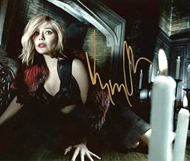 Elizabeth Olsen Sexy In Person Autographed Photo At Amazons