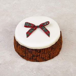 The Cakeology Co Bakery 10 cm Gift Cake in a Tin – Rich Fruit Cake with Brandy, Hand-Decorated with Marzipan, Icing and a Tartan Bow, 325 g 511jhGoV5SL