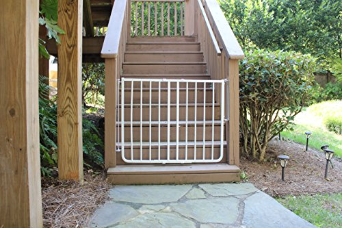 Best Outdoor Baby Gates Of 2018 Guide Reviews Babygatesexpert