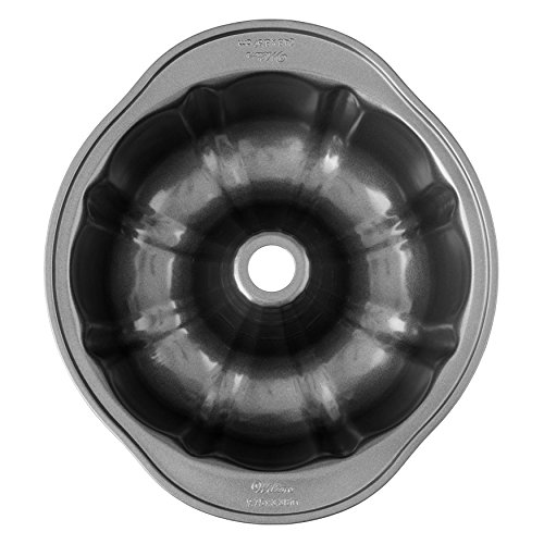 Wilton 2105-6803 Round Cake Nonstick Perfect Results Non-Stick Fluted Tube Pan, 9-Inch, Single pack, Silver