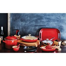 Le-Creuset-of-America-Enameled-Cast-Iron-Buffet-Casserole