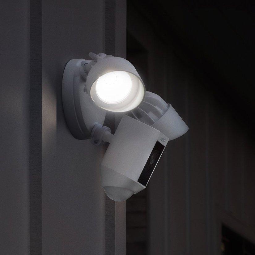 Camera Spots Thief