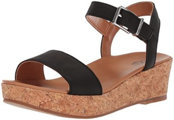 I love cute platform sandals like this one!