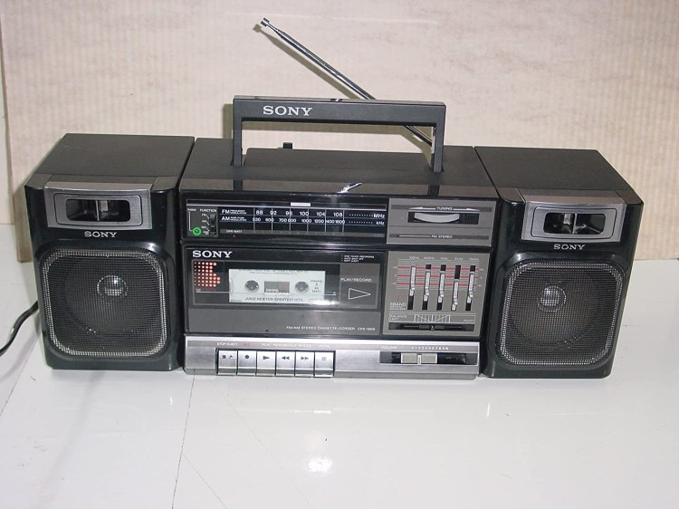 Vintage 80's Sony Model CFS-1000 Boombox AM/FM Stereo Radio Single Cassette  Tape Player Recorder AC/DC: Amazon.ca: Electronics