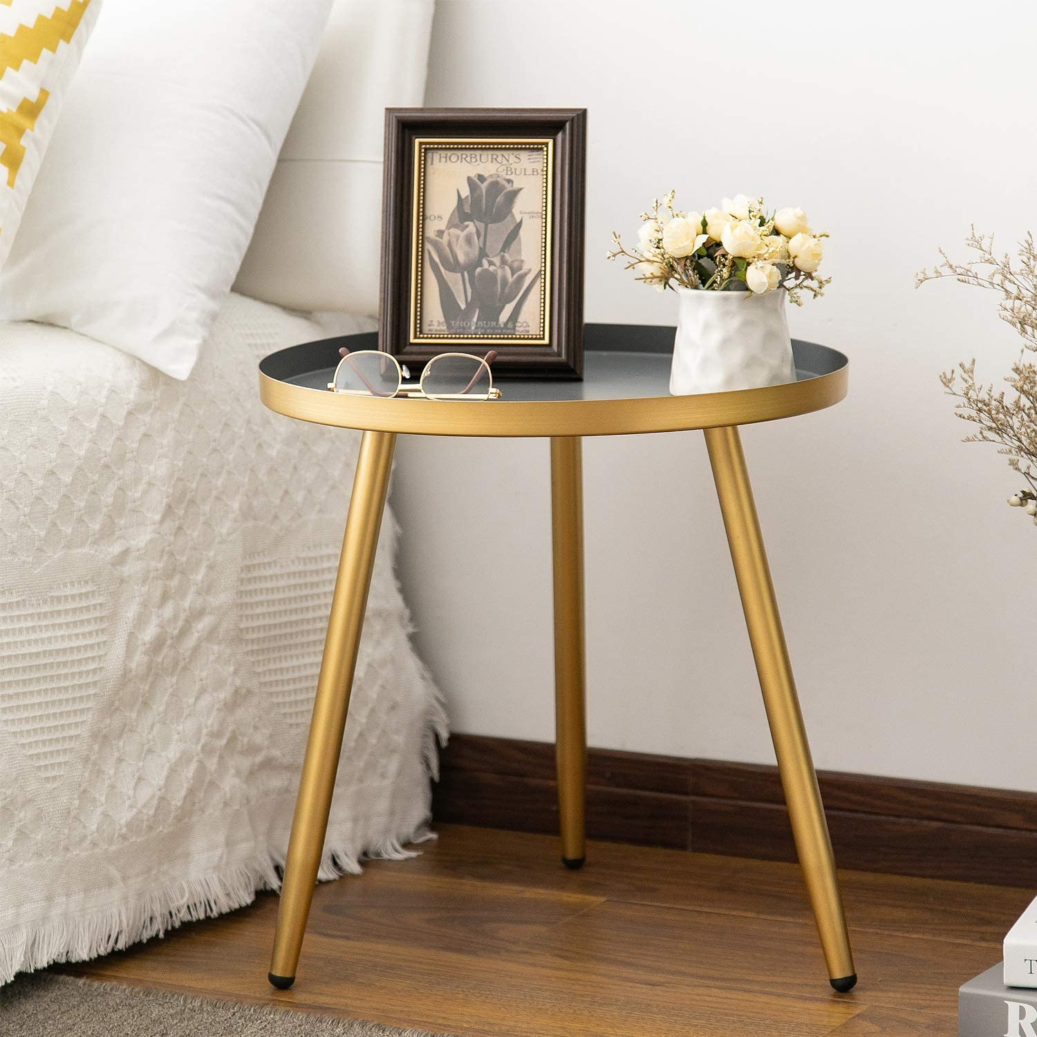 Amazon Com Round Side Table Metal End Table Nightstand Small Tables For Living Room Accent Tables Side Table For Small Spaces Gold Gray By Aojezor Kitchen Dining