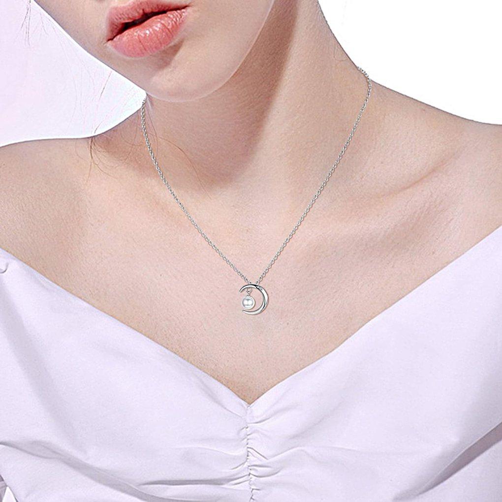 Media luna en plata collar