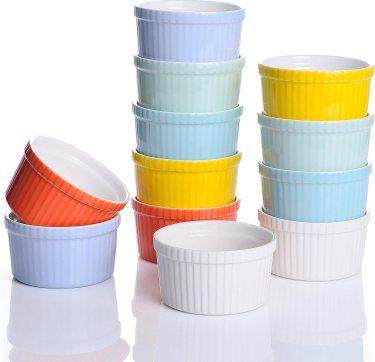 moldes de cerámica apilados