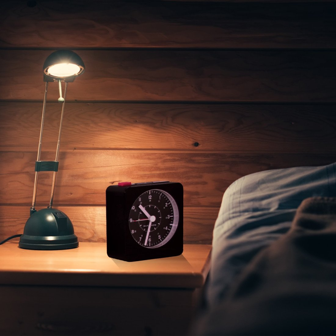 Analog-alarm-clock