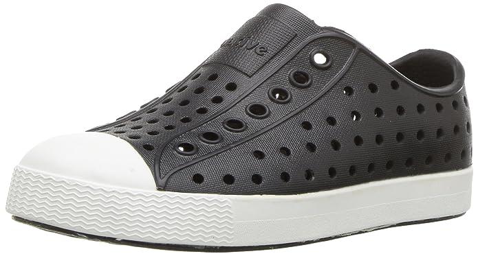 zapatos crocs negros para niñohttps://amzn.to/2SxSbBb
