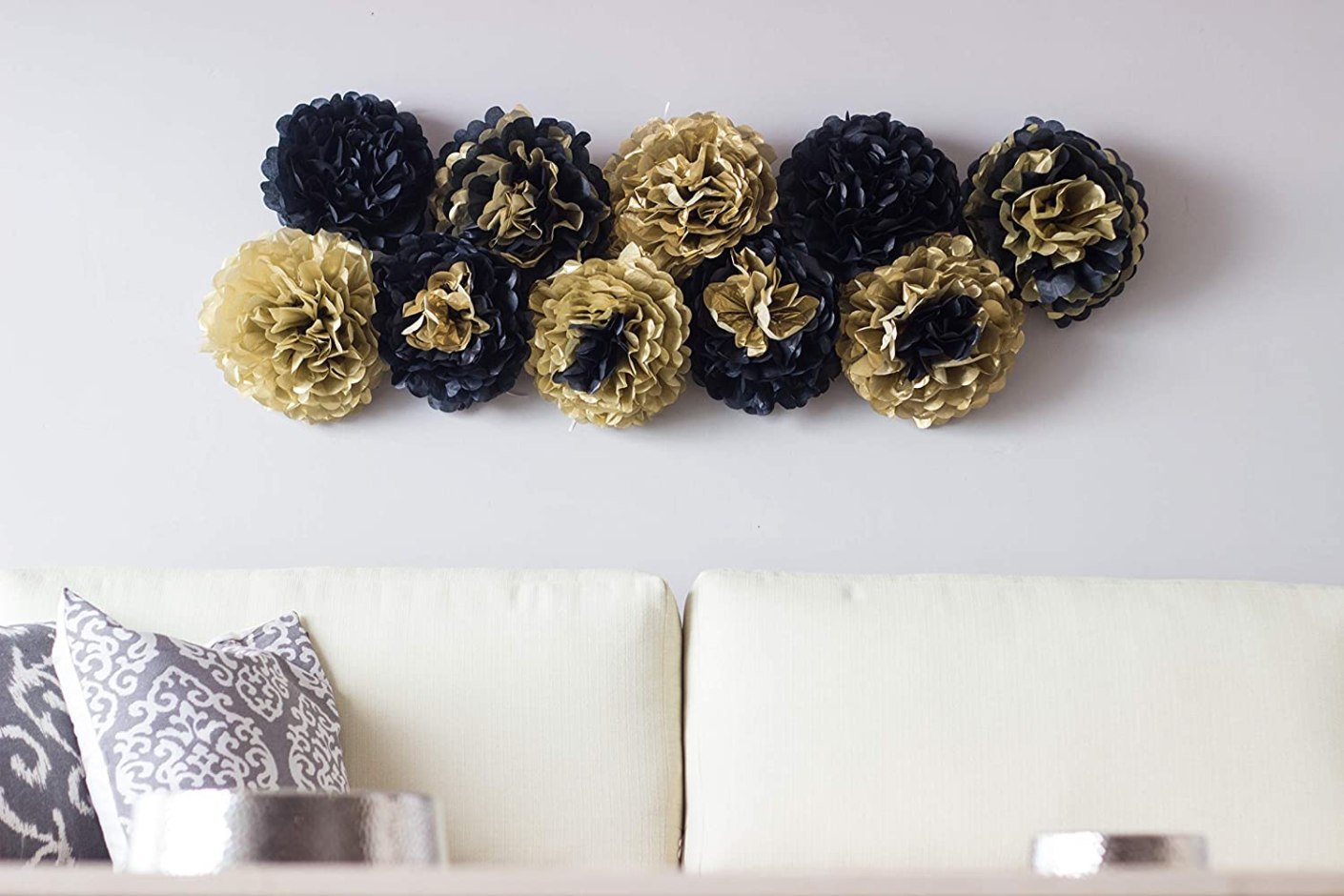 Decoracion para fiesta dorada y negro https://amzn.to/2EcISTm