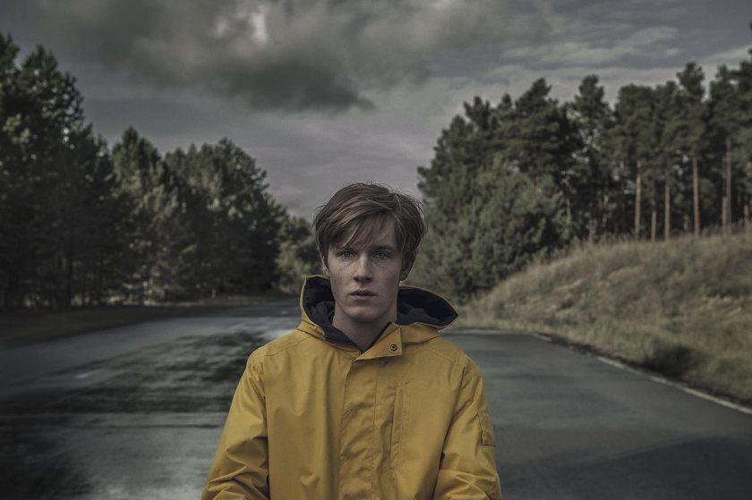Louis Hofmann en Dark (2017)
