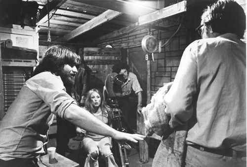 Marilyn Burns and Director Tobe Hooper (Image courtesy mptvimages.com)
