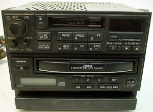 19981999 Nissan Frontier Factory Radio 3 Disc CD Player