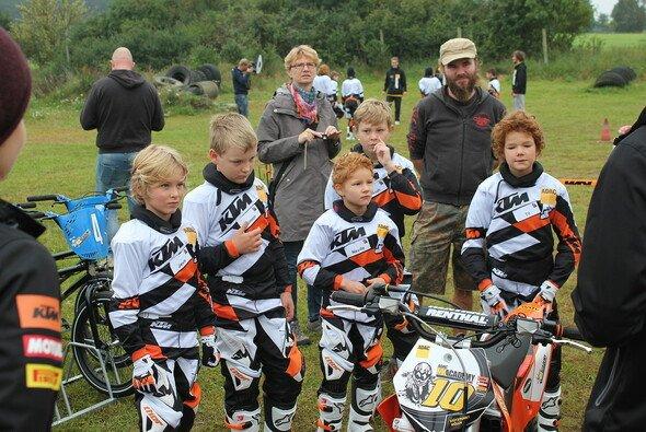 Die Kinder der ADAC MX Academy powered by KTM sind zwischen sieben und zwölf Jahre alt