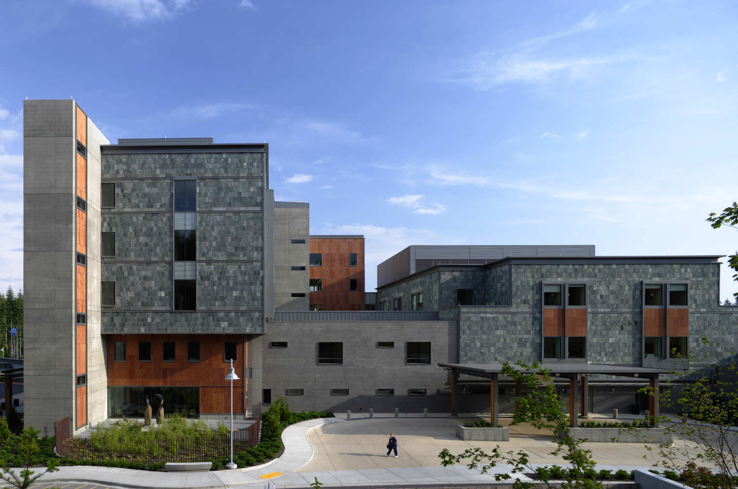 St. Anthony Hospital / ZGF Architects LLP | ArchDaily