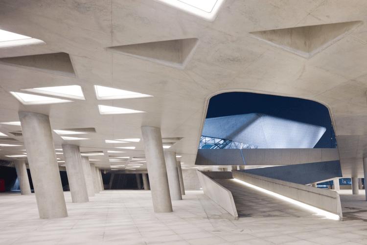 Guangzhou Opera House / Zaha Hadid Architects   ArchDaily