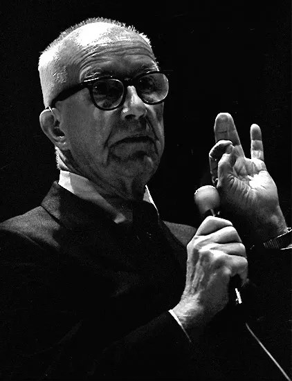 © <a href='https://commons.wikimedia.org/wiki/File:BuckminsterFuller1.jpg'>Wikimedia user Edgy01 (Dan Lindsay)</a> licensed under <a href='https://creativecommons.org/licenses/by/3.0/deed.en'>CC BY 3.0</a>