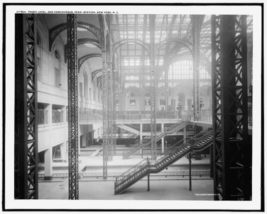Track level and concourses. Image © Library of Congress, Prints and Photographs Division, Detroit Publishing Company Collection