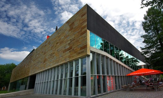 Kunsthal. Image © <a href='https://www.flickr.com/photos/70647624@N00/3672411925/'>Flickr user kleiobird</a> licensed under <a href='https://creativecommons.org/licenses/by/2.0/'>CC BY 2.0</a>