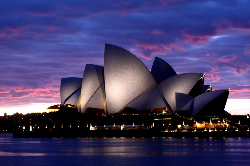 Video: Jørn Utzon's Nature-Inspired Sydney Opera House ...