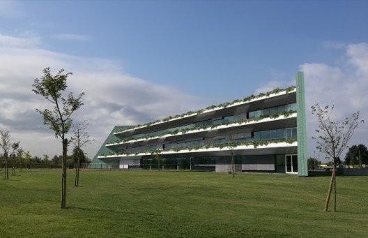 Banca dell'Occhio (2008). Image Courtesy of Emilio Ambasz