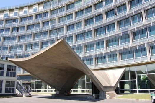 UNESCO Headquarters. Image © <a href='https://www.flickr.com/photos/french-disko/3712216223'>Flickr user french-disko</a> licensed under <a href='https://creativecommons.org/licenses/by-nc/2.0/'>CC BY-NC 2.0</a>