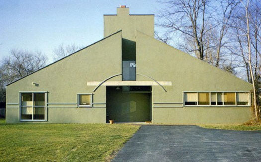 Vanna Venturi House / Robert Venturi. Image © Maria Buszek
