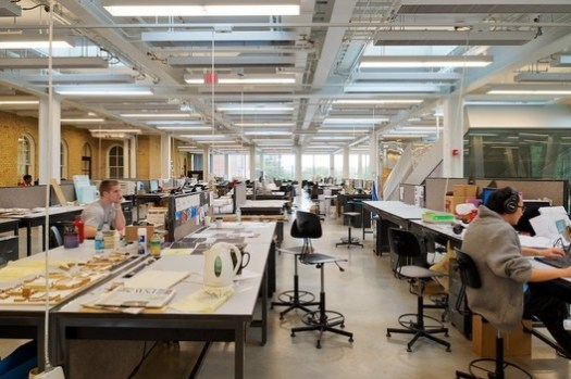 Studios in Cornell University's architecture school, a NAAB-accredited program, and ranked first in the country by DesignIntelligence for undergraduate architecture education. Image © Matthew Carbone