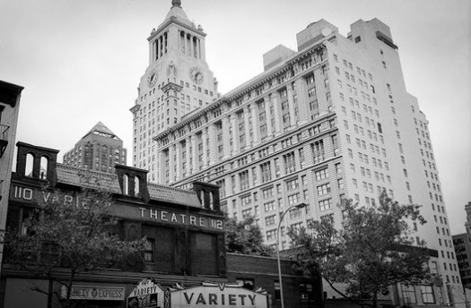 The Variety Theater, at 110 3rd Avenue. Image © G.Alessandrini