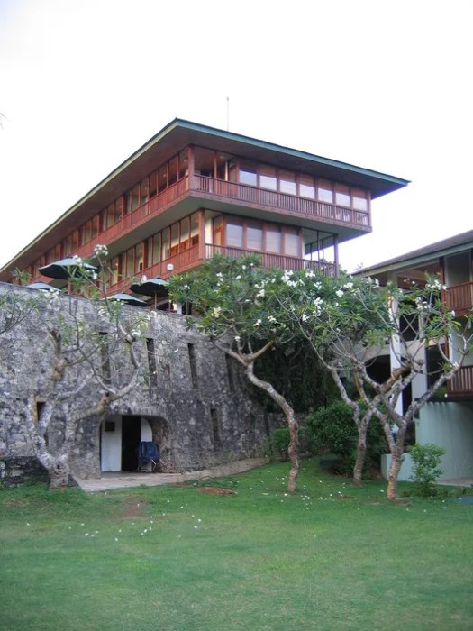 The Bentota Beach Hotel. Image © Harry Sowden