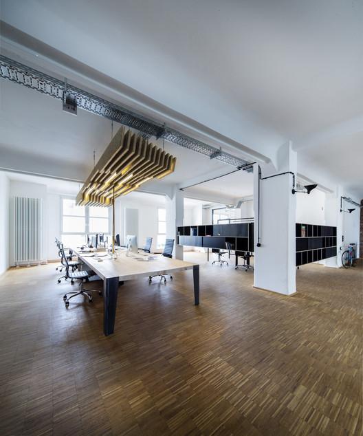 zum goldenen hirschen office extension sch ne r ume. Black Bedroom Furniture Sets. Home Design Ideas