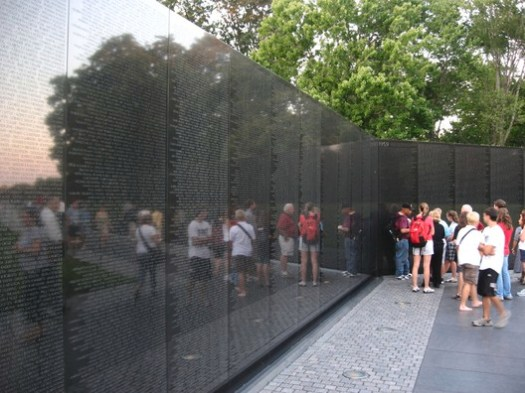 Vietnam Veterans Memorial. Image © <a href='https://www.flickr.com/photos/kenlund/2716164844'>Flickr user kenlund</a> licensed under <a href='https://creativecommons.org/licenses/by-sa/2.0/'>CC BY-SA 2.0</a>