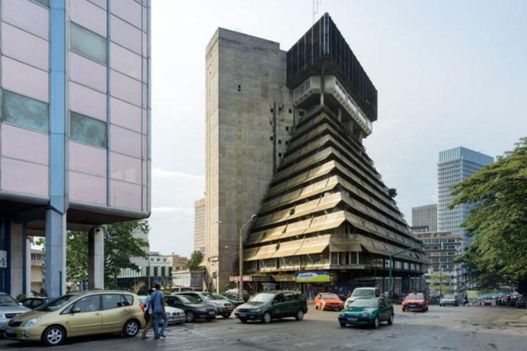 Rinaldo Olivieri, La Pyramide, 1973, Abidjan (Côte d'Ivoire). Image © Iwan Baan