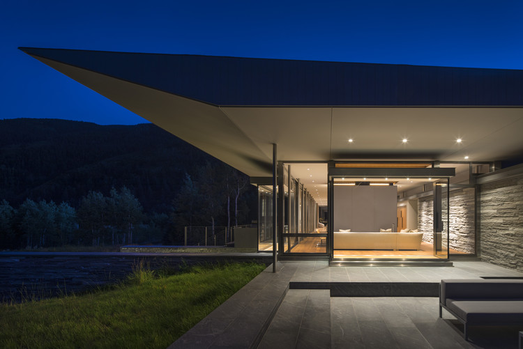 Custom Housing: Independence Pass Residence; Aspen, CO / Bohlin Cywinski Jackson. Image Courtesy of AIA