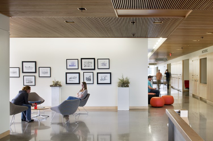 West Branch of the Berkeley Public Library; Berkeley, CA/ Harley Ellis Devereaux. Image © Lara Swimmer