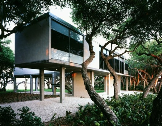 Guest house near Sarasota, FL. Image © Paul Warchol