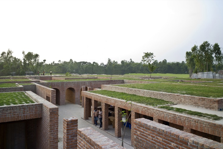 Friendship Centre, Gaibandha, Bangladesh, URBANA / Kashef Mahboob Chowdhury. Image Courtesy of The Aga Khan Award for Architecture