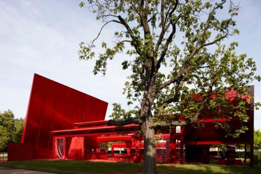 Serpentine Pavilion 2010. Image © John Offenbach