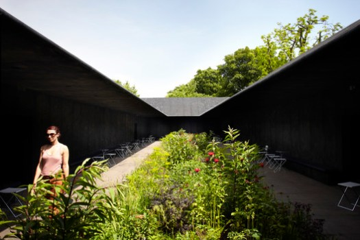 Serpentine Pavilion 2011. Image © John Offenbach