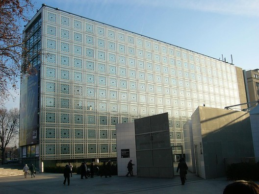 Institut du Monde Arabe. Image © <a href='https://www.flickr.com/photos/roryrory/2520002099'>Flickr user roryrory</a> licensed under <a href='https://creativecommons.org/licenses/by-sa/2.0/'>CC BY-SA 2.0</a>