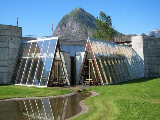 Norwegian Glacier Museum. Image © <a href='https://www.flickr.com/photos/boscdanjou/6043529367/'>Flickr user boscdanjou</a> licensed under <a href='https://creativecommons.org/licenses/by/2.0/'>CC BY 2.0</a>