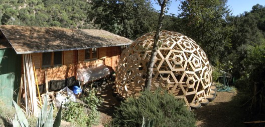 2012 Marcel House. Recycled geodesic sustainable house, Spain. Image ©  Ctrl+Z-Luca Stasi. Courtesy of Curry Stone Design Prize