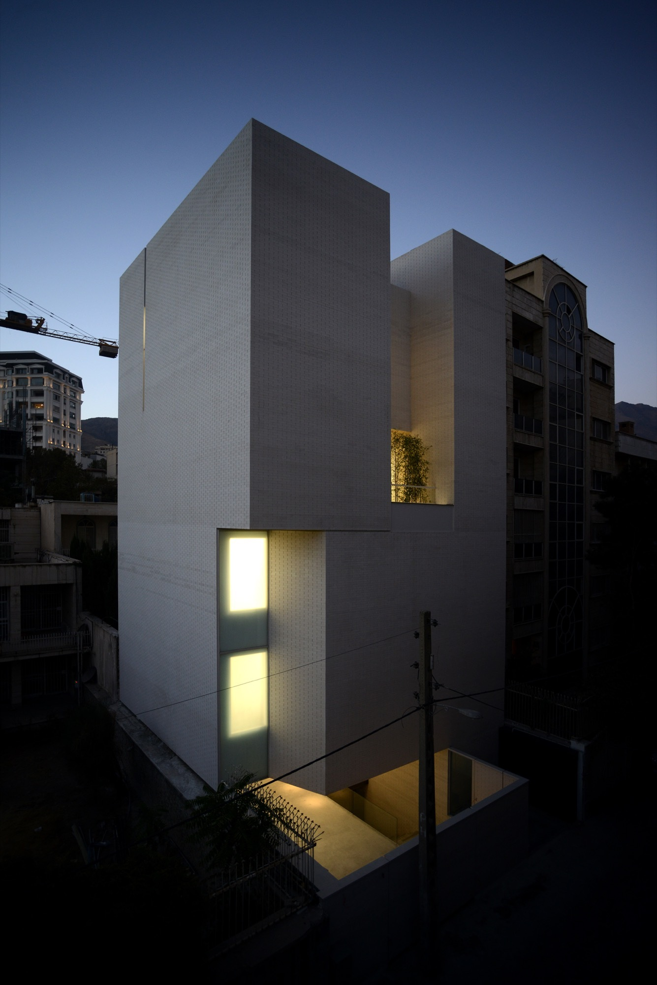 White Gallery Shift Process Practice Archdaily