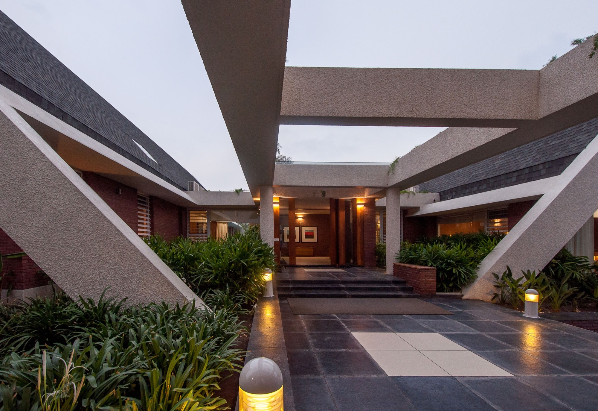 Gallery Of The APEX House Design Buro Architects 3