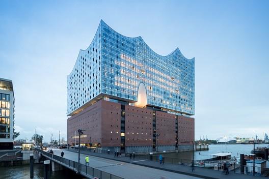 Winner in the Cultural Architecture Category. Elbphilharmonie Hamburg / Herzog & de Meuron. Image © Iwan Baan