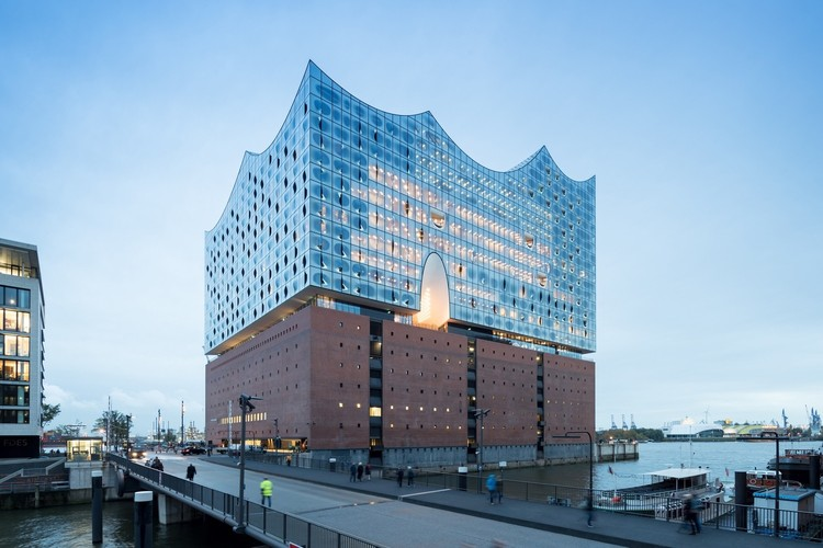 Winner in the Cultural Architecture Category. Elbphilharmonie Hamburg / Herzog & de Meuron. Image © Iwan Baan