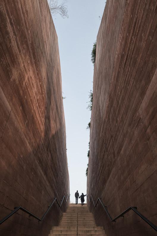 Katyn Museum; Warsaw, Poland / BBGK Architekci. Image © Juliusz Sokolowski