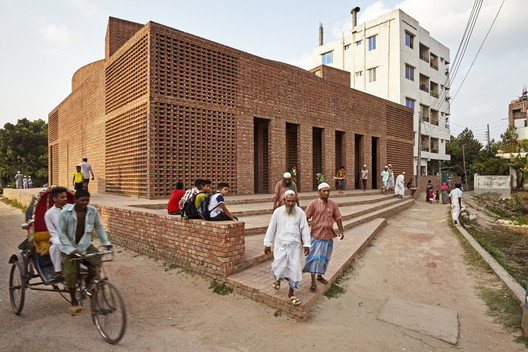 Bait Ur Rouf Mosque / Marina Tabassum, winner of a 2016 Aga Khan Award for Architecture. Image © Aga Khan Trust for Culture / Rajesh Vora